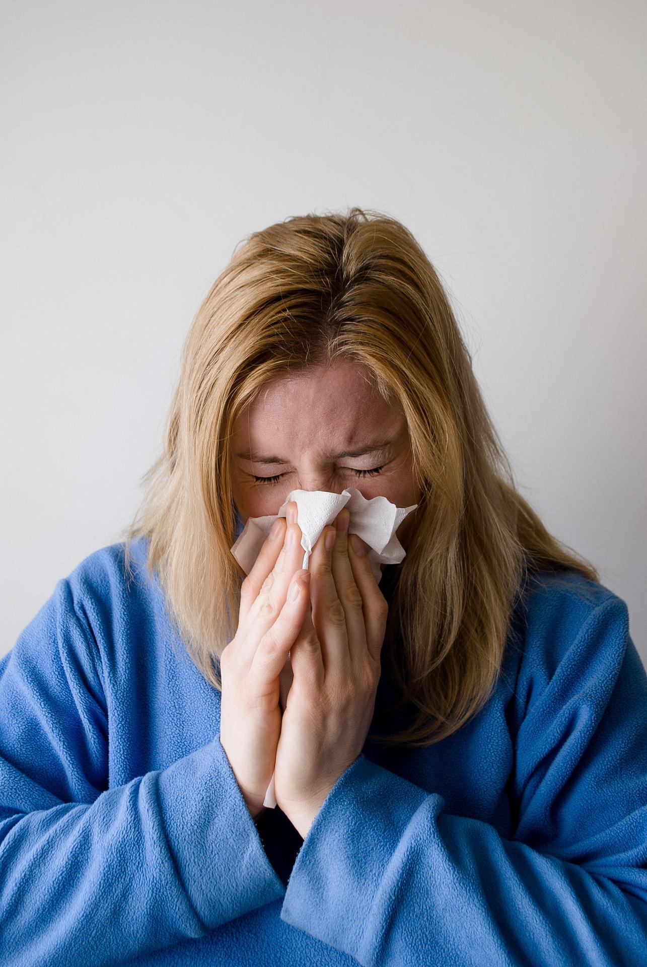 fot. Czy istnieją skuteczne, domowe sposoby na zatkany nos?